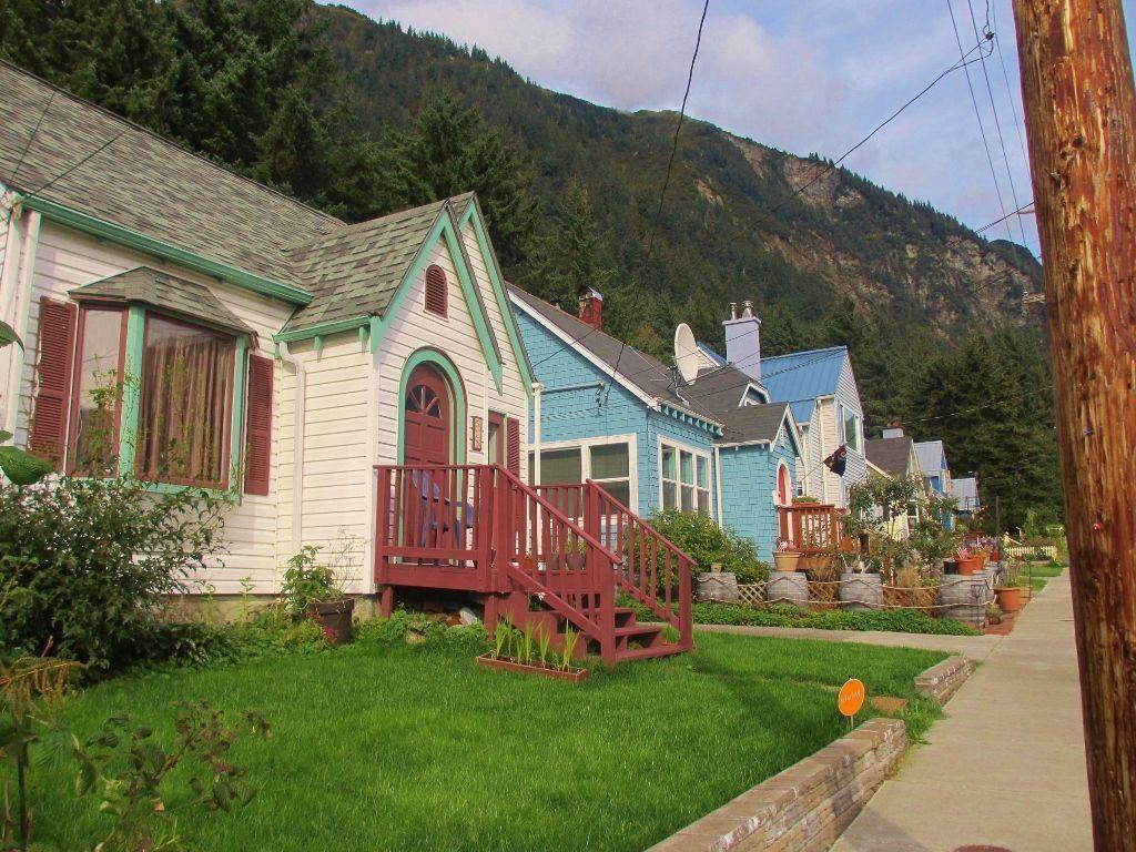 Row-of-Homes (1024x768)